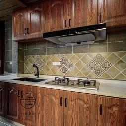 重彩美式厨房设计