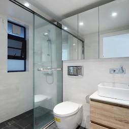 混搭三居卫浴设计