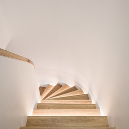 高级白现代楼梯设计