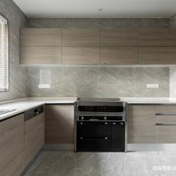 现代原木厨房设计
