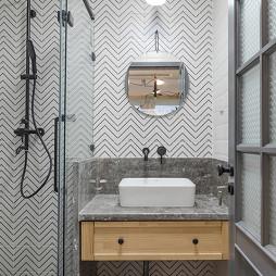 淡雅混搭淋浴区设计图
