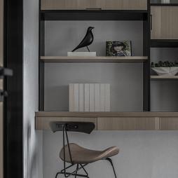 迎恩府周宅现代书房书桌设计图