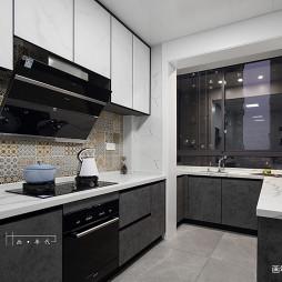 240平现代厨房设计图片
