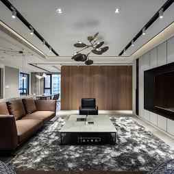 240平现代客厅吊灯图片