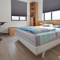 现代两居室卧室设计图