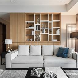 简致现代客厅储物架实景图
