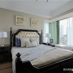 精致美式卧室飘窗图
