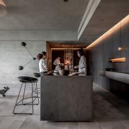 《蓝眼》现代客厅餐厅实景图