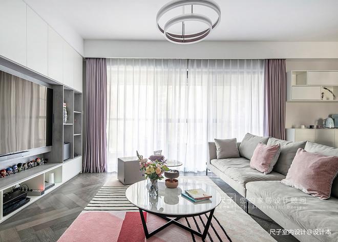 柔和系现代客厅设计图