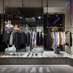 莆田左右高端女装店展示区设计