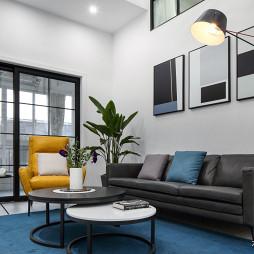 现代风复式客厅沙发图片