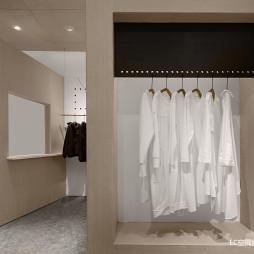 初•白 服装店铺实景设计图