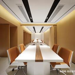 侨信控股办公空间会议室设计