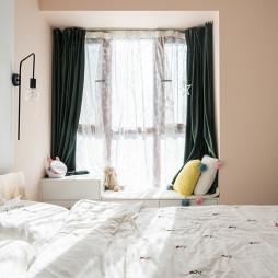 精简混搭风卧室飘窗设计