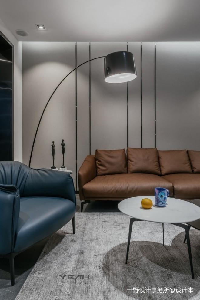 150㎡ | 现代简约客厅落地灯图片