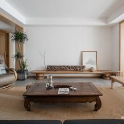 四居中式风格客厅实景图片