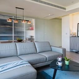 简单现代风客厅沙发图