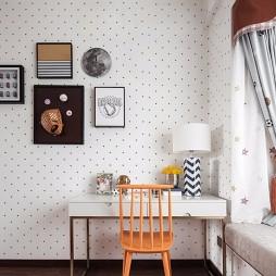 F户型样板房儿童房书桌设计