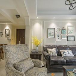 静逸美式客厅沙发图