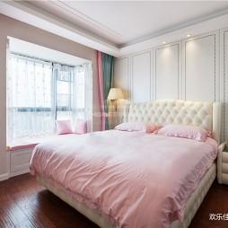 轻奢三居室主卧设计