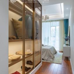 现代简约风卧室衣柜设计