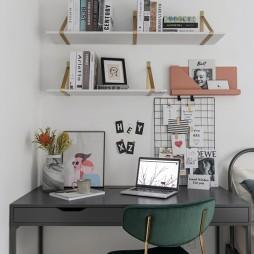 鹽系風臥室書桌設計