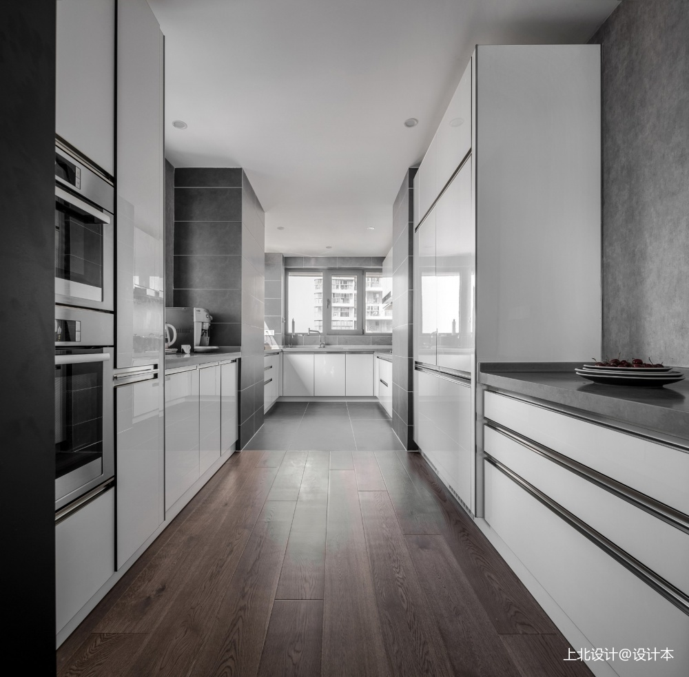 四居中式风大厨房实景图