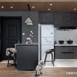 现代两居室餐厅厨房一体设计