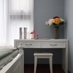低奢新美式儿童房书桌设计