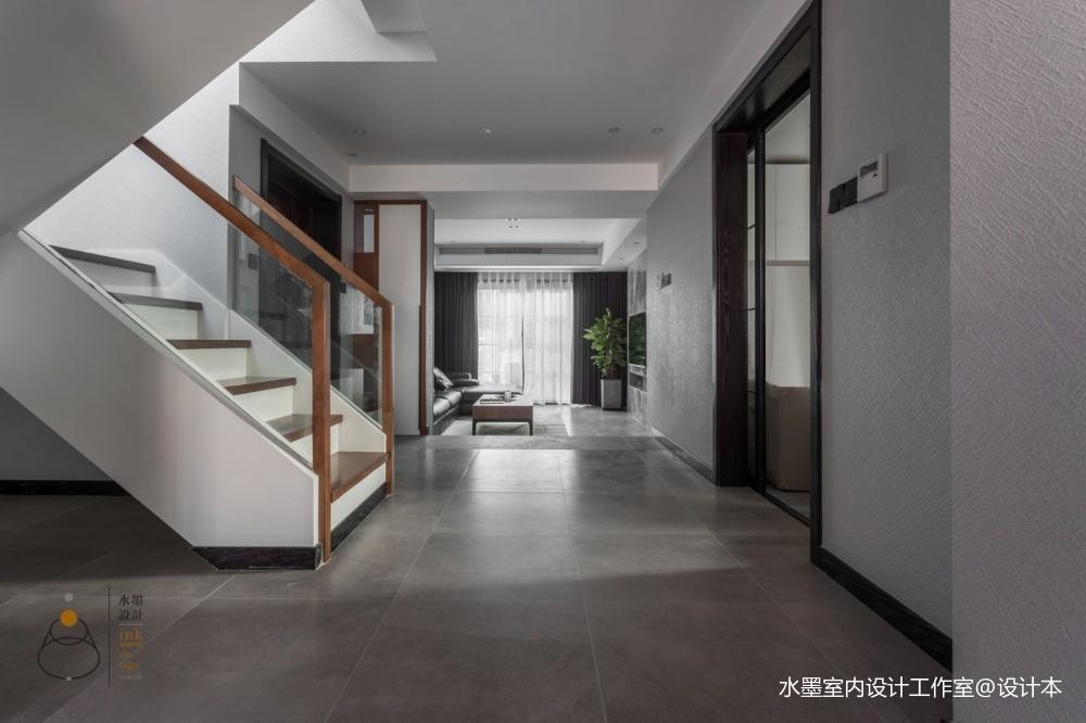 300㎡复式楼梯实景图片