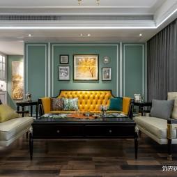 温暖系美式客厅沙发图片