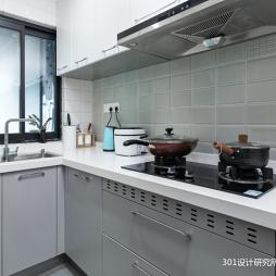 原木小屋—廚房圖片
