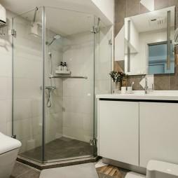 235平米现代简约—卫生间图片