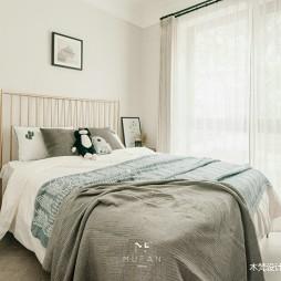 235平米现代简约—卧室图片