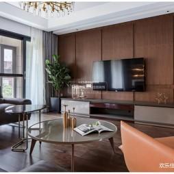 现代轻奢大平层,优雅与理性—客厅图片