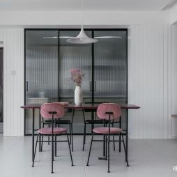 130平米现代简约:餐厅图片