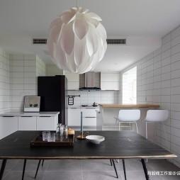 240平米北欧极简—厨房图片
