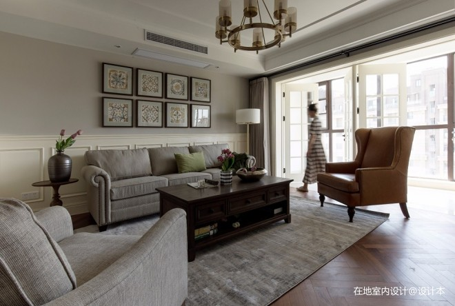 城中心的复古美宅——客厅图片