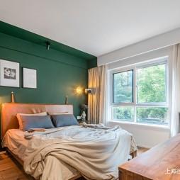 125平米现代简约—卧室图片