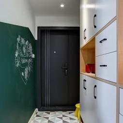 白色+原木配色的家——玄关图片