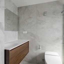 68平米现代简约——卫生间图片