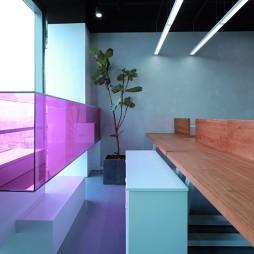 有颜色的办公空间——办公区图片