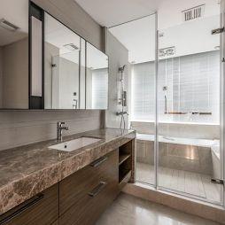 120平米精装房——卫生间图片