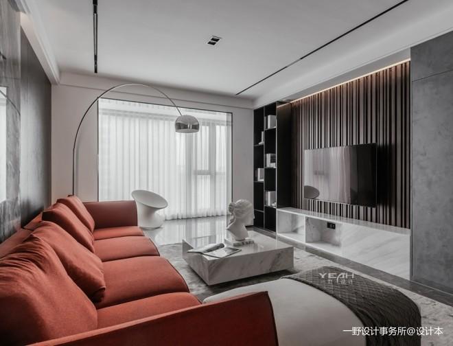 黑白灰撞上跳躍紅——客廳圖片