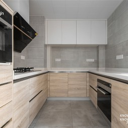 140平三居——厨房图片