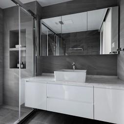 160平现代简约:卫生间设计图