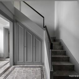260平复式——楼梯图片