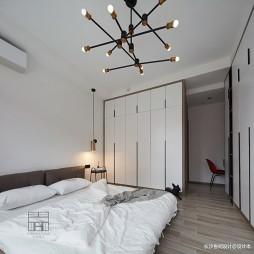 140平米黑白灰,4房改2卧室1书房——主卧图片