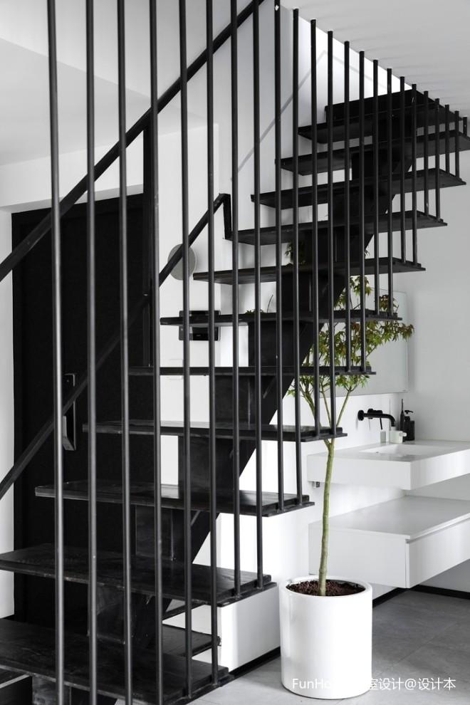 层叠光谱|镂空钢结构楼梯重塑光源——