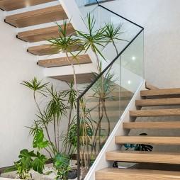 800㎡住宅-楼梯图片